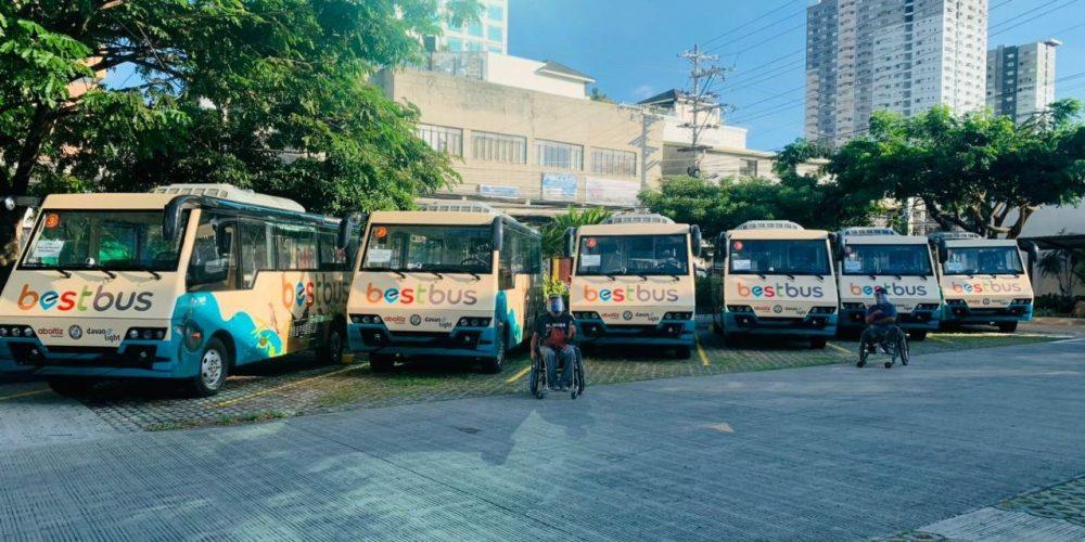 中國動力向菲律賓交付首款冷氣電動巴士